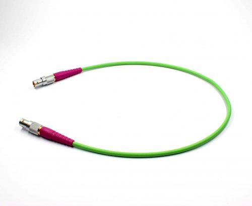 Video HDTV Verbindungskabel 0.6/2.8AF FRNC mit violetten Knickschutztüllen / Video Patch Cable with violet strain relief sleeves